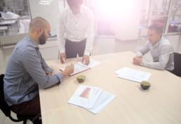 Spotkanie przy biurku